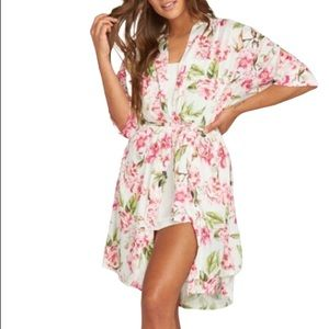 NWOT Brie Garden of Blooms robe Show Me Your MuMu